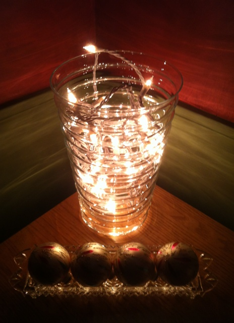 vase_lights_2_elengrey_december_2012