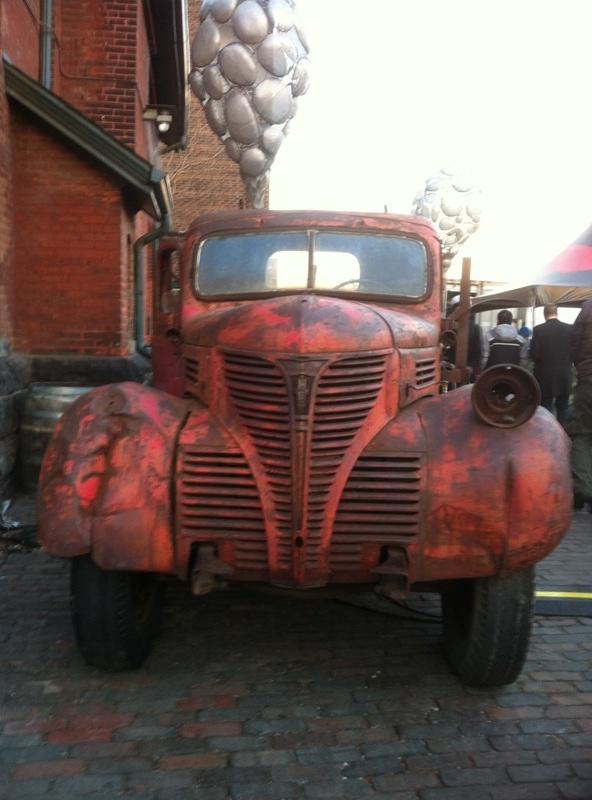 vintage_truck_2_elengrey_december_2012