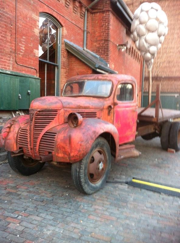 vintage_truck_3_elengrey_december_2012