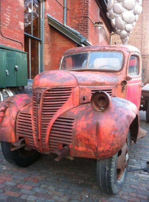 vintage_truck_elengrey_december_2012