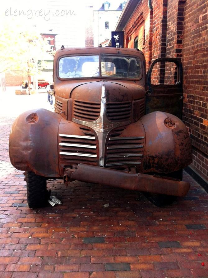 IMG_7504_vintage_dodge_truck_elengrey_september_2014 (956x1280)