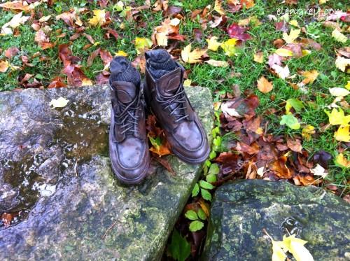 IMG_8568_hiking_boots_sculpture_elengrey_october_2014 (1280x956)