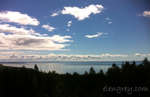 Honey i m home elen grey for Minimalist house bay of fundy