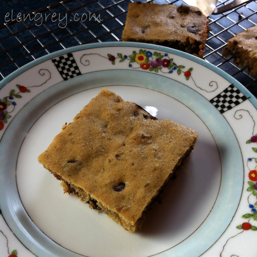 IMG_2858_lentil_blondies_4_elengrey_march_2016 (1280x1280)